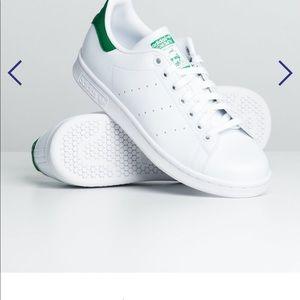 Adidas Stan Smith Shoes- Size 7 (Euro 38 2/3)